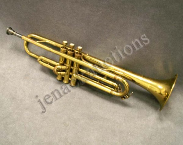 17: VINTAGE HOLTONE TRUMPET WITH CASE