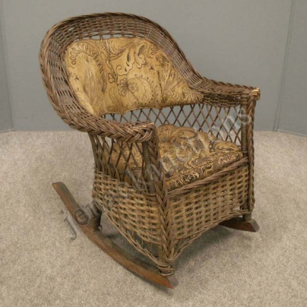 1015: VICTORIAN HEYWOOD-WAKEFIELD CHILD'S WICKER ROCKER