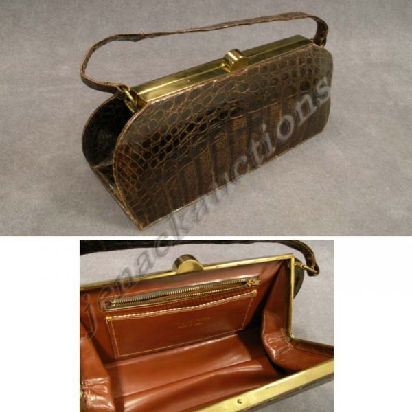 6: VINTAGE ALLIGATOR HAND BAG, CUBAN