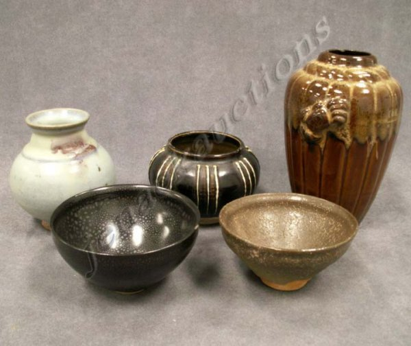 21: LOT (5) ASSORTED CHINESE GLAZED POTTERY BOWLS