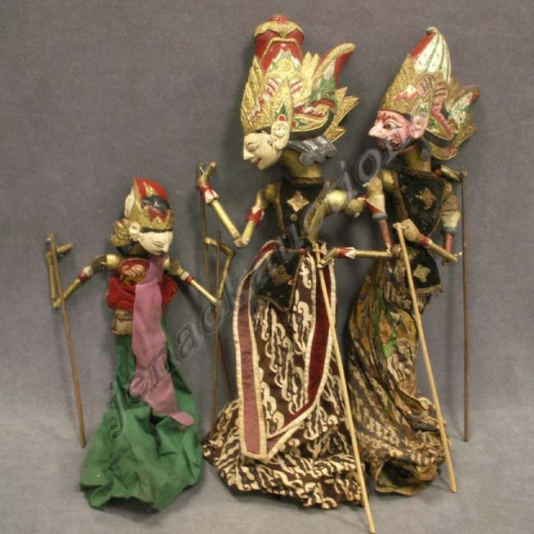 21: LOT (3) VINTAGE CARVED/PAINTED INDONESIAN PUPPETS