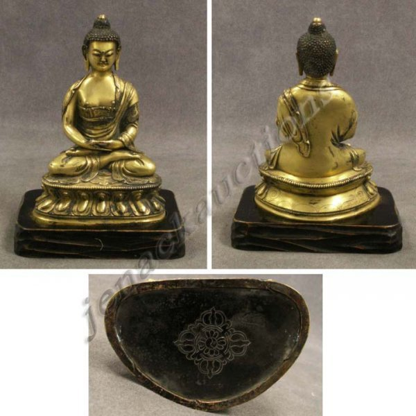 1014: SINO-TIBETAN GILT BRONZE SEATED BUDDHA