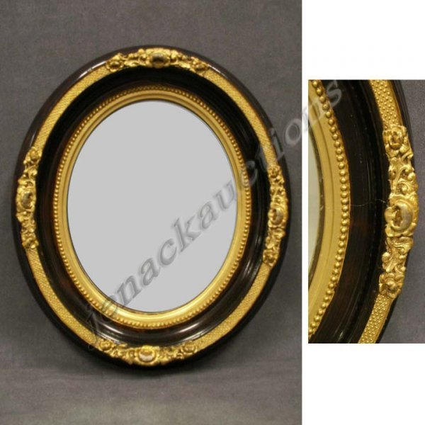 1024: VICTORIAN GRAINED/GILT OVAL FRAMED MIRROR