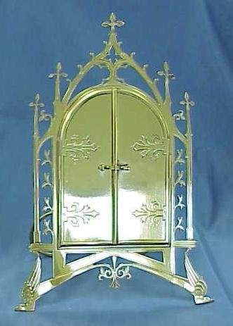 6: VICTORIAN GOTHIC REVIVAL STANDING FRAME
