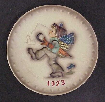 19: HUMMEL 1973 THIRD ANNUAL PLATE #266.