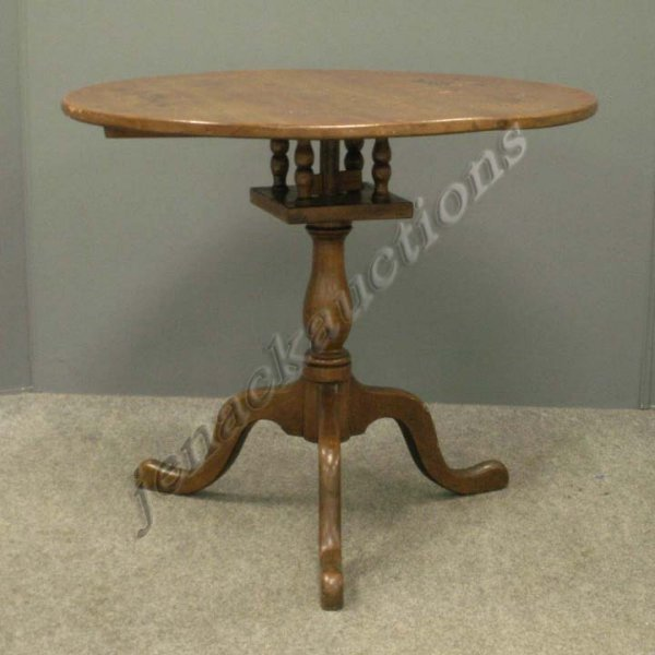 15: QUEEN ANNE STYLE WALNUT BIRD CAGE TILT-TOP TABLE