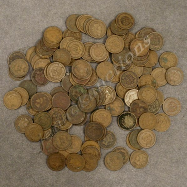 24: LOT (136) ASSORTED U.S. INDIAN HEAD CENT COINS