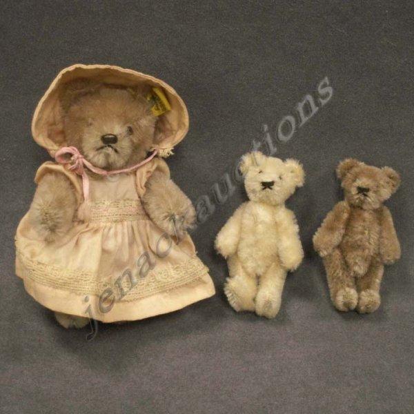 2022: LOT (3) GERMAN/STEIFF TEDDY BEARS