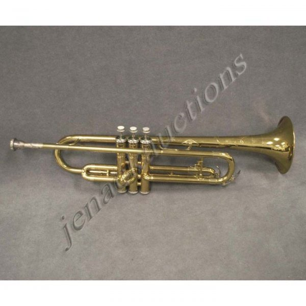 13: KING CLEVELAND 600 TRUMPET #328882 WITH CASE