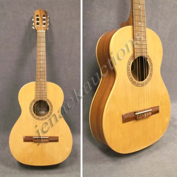 44: GIANNINI TROVADOR MODEL AWNT 6 CLASSICAL GUITAR