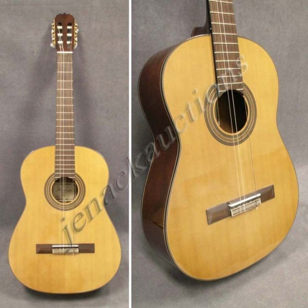79: HOHNER MC-09 CLASSICAL GUITAR