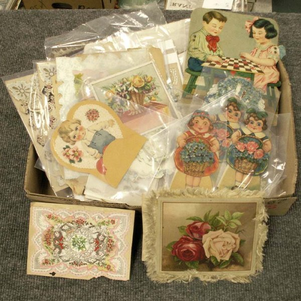4: LOT ASSORTED FINE VINTAGE HOLIDAY CARDS