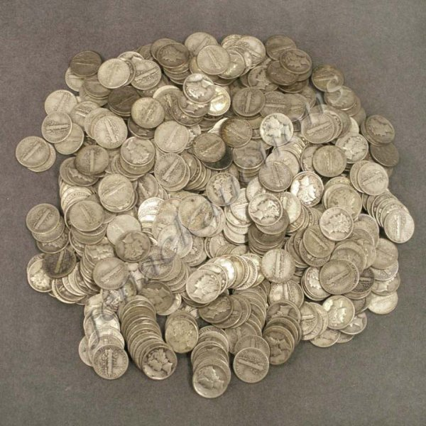 8: LOT APPROXIMATELY (520) MERCURY & ROOSEVELT DIMES