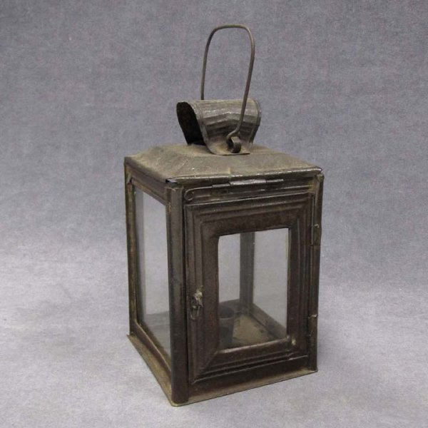 14: CONTINENTAL TOLEWARE CANDLE LANTERN, 19TH CENTURY