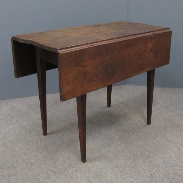417: SHAKER CHERRY DROP LEAF TABLE WITH TAPERED LEGS
