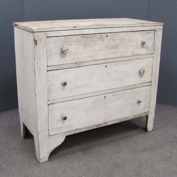 422: COUNTRY PAINTED PINE THREE DRAWER CHEST