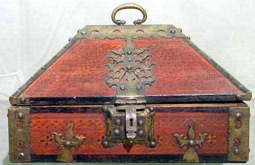 1014: INDIAN PAINTED/BRASS MOUNTED CHEST