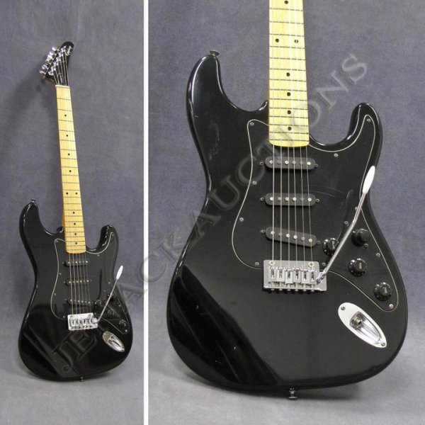 12: GIBSON/EPIPHONE SOLID BODY ELECTRIC GUITAR