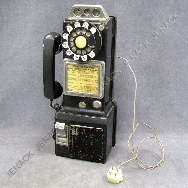 3: VINTAGE PAY TELEPHONE, C.1950'S (WORKING)
