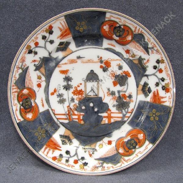19: JAPANESE IMARI PORCELAIN PLATE