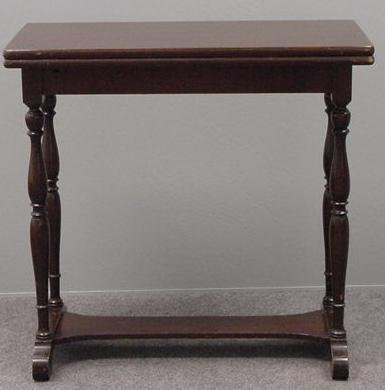 11: WILLIAM AND MARY STYLE MAHOGANY GAME TABLE