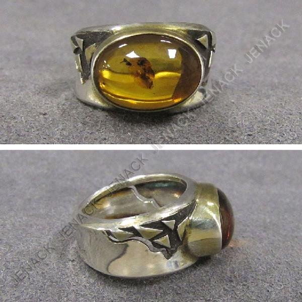 17: SILVER/GOLD WITH AMBER RING