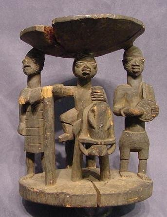 1018: YORUBA CARVED FIGURAL OFFERING BOWL