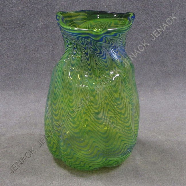 5: CONTEMPORARY ART GLASS VASE, SIGNED