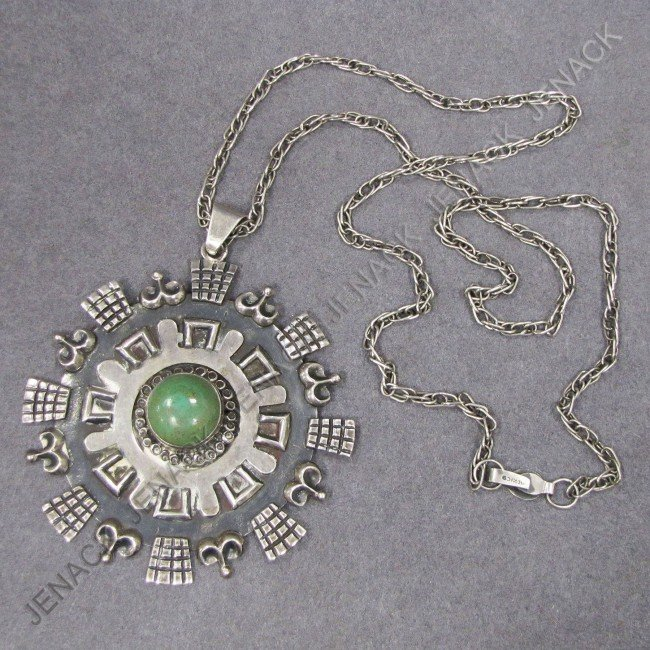 6: MEXICAN STERLING PENDANT SET GREEN HARDSTONE