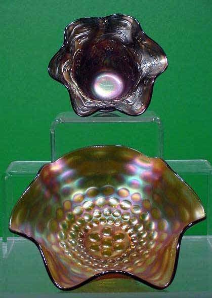 1009: LOT (2) CARNIVAL GLASS BOWLS