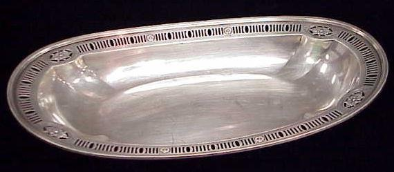 1017: WHITING STERLING PIERCED BREAD DISH