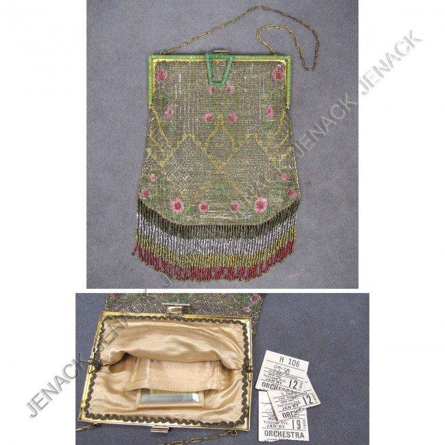 10: ART DECO BEADED HAND BAG