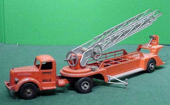 17: SMITH-MILLER #3 HOOK AND LADDER FIRE TRUCK