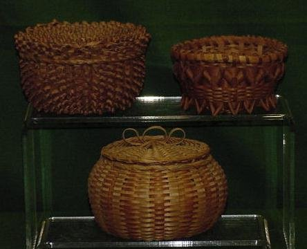 1014: LOT (3) SMALL EASTERN WOODLANDS BASKETS