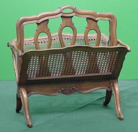 1015: FRENCH PROVINCIAL STYLE FRUITWOOD MAGAZINE STAND