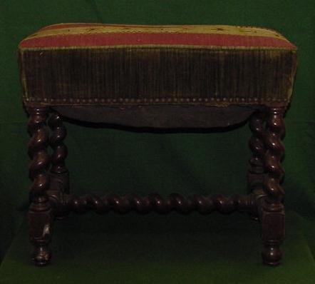 1019: CHARLES II STYLE WALNUT BENCH/NEEDLEPOINT SEAT