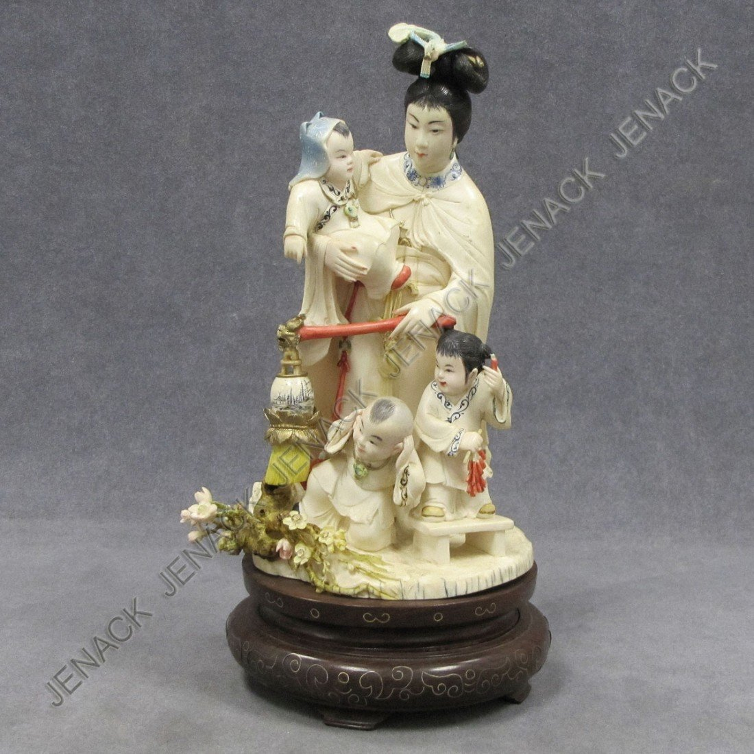 258: CHINESE CARVED/STAINED IVORY FIGURE OF A WOMAN