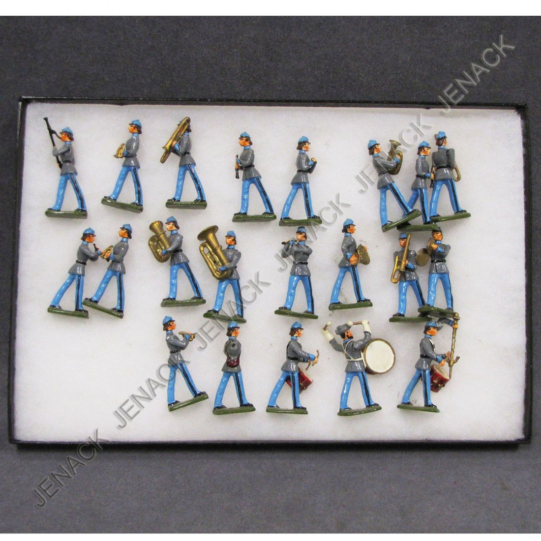 10: LOT (21) PAINTED LEAD CONFEDERATE MARCHING BAND