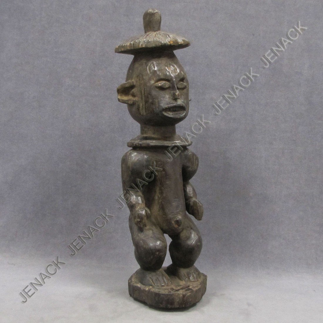 19: BAULE CARVED MALE FIGURE WITH HAT