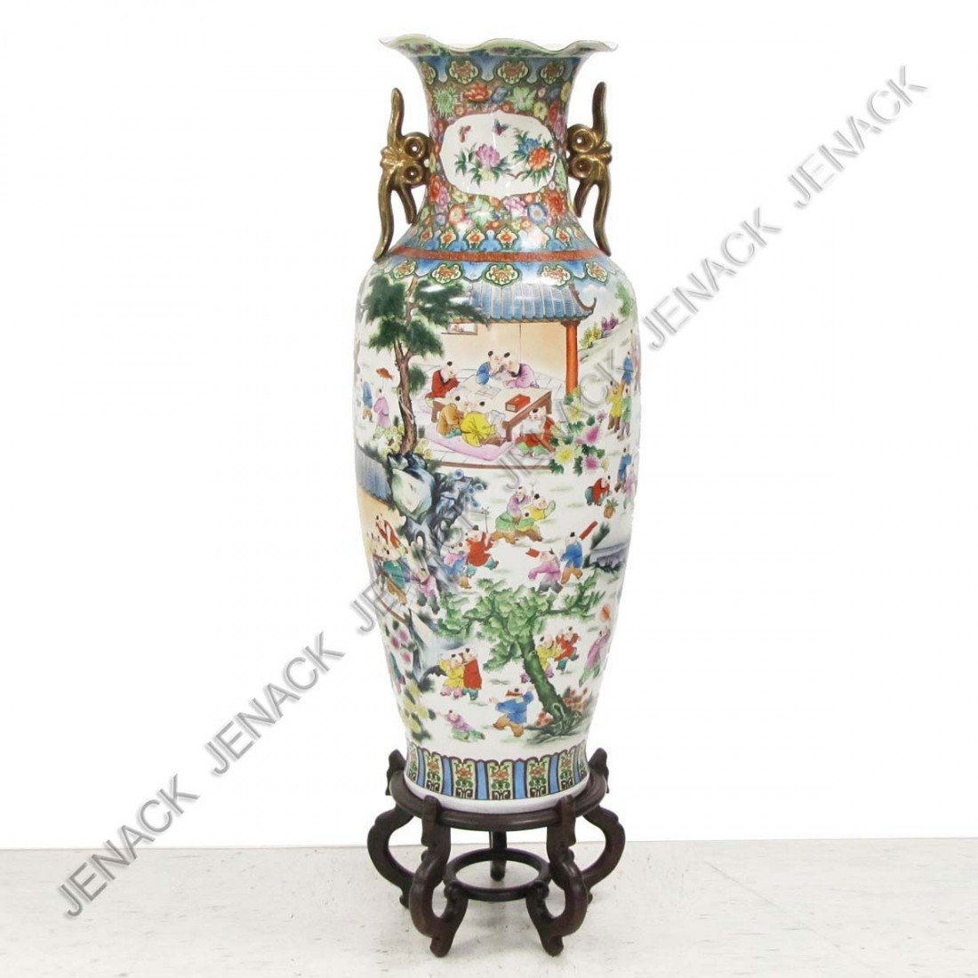 24: MONUMENTAL CHINESE FAMILLE ROSE DECORATED VASE