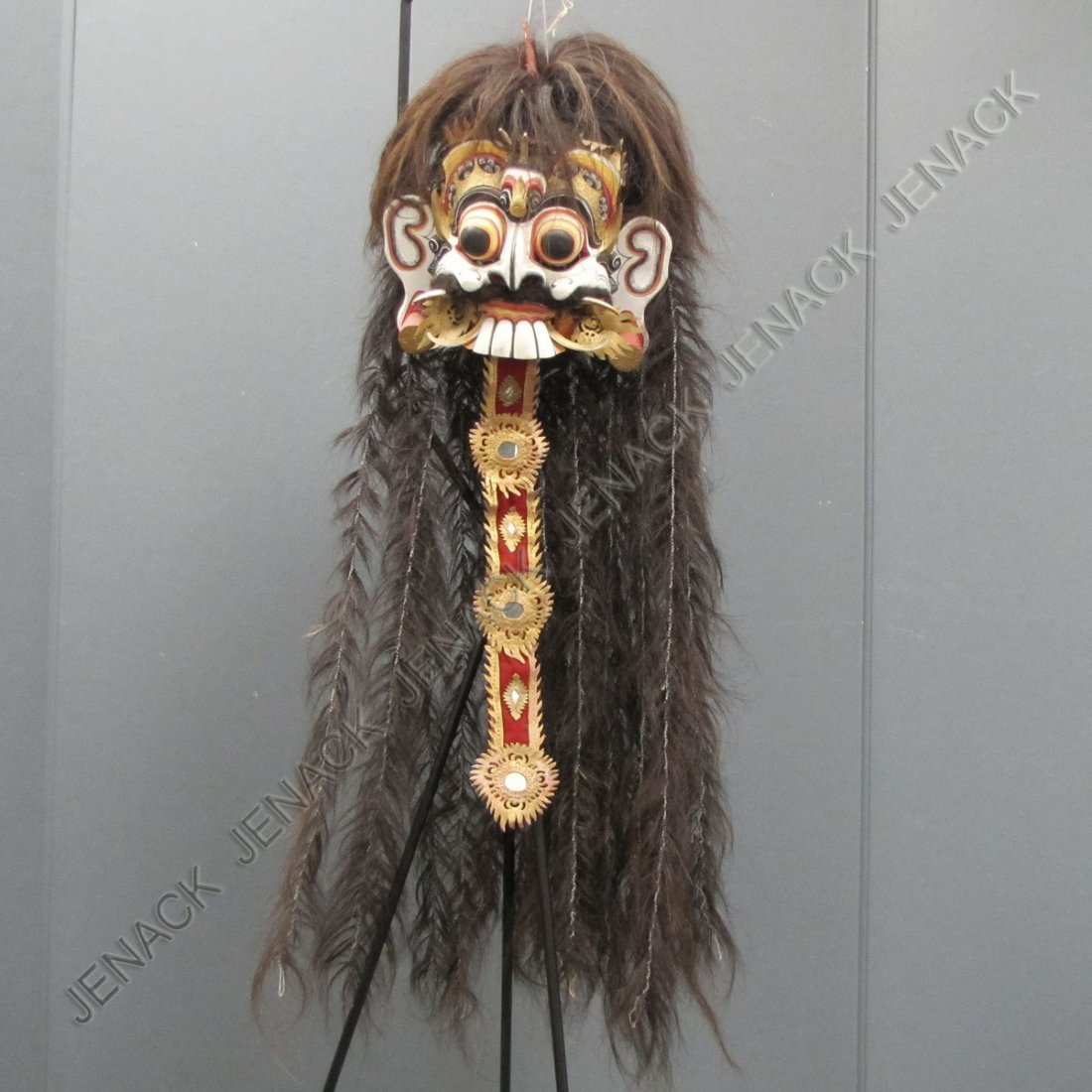 15: BALINESE CARVED AND POLYCHROMED WIG AND MASK