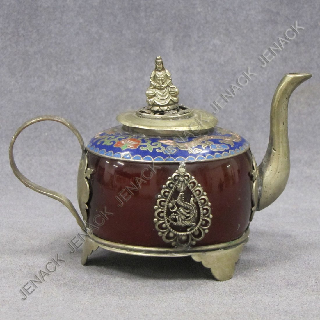 21: CHINESE AGATE TEAPOT WITH CLOISONNE COLLAR