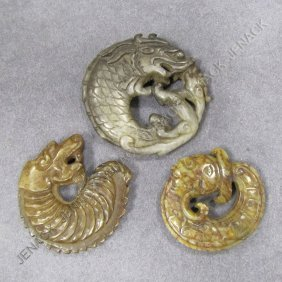 LOT (3) CHINESE CARVED JADE DRAGON PENDANTS
