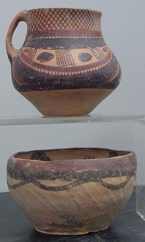 3002: CHINESE POTTERY DECORATED BOWL/JAR