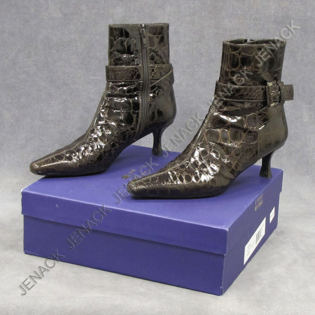 21: PAIR STUART WEITZMAN BROWN CARMAN CROCODILE SHOE