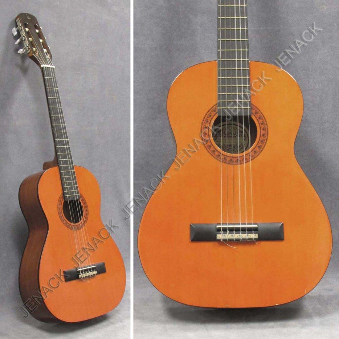 hondo classical folk guitar model a 624 with case