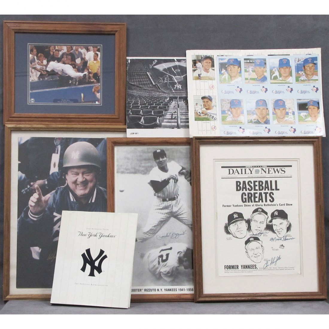 15: LOT NY YANKEES INCLUDING SIGNED PRINTS/PHOTOS