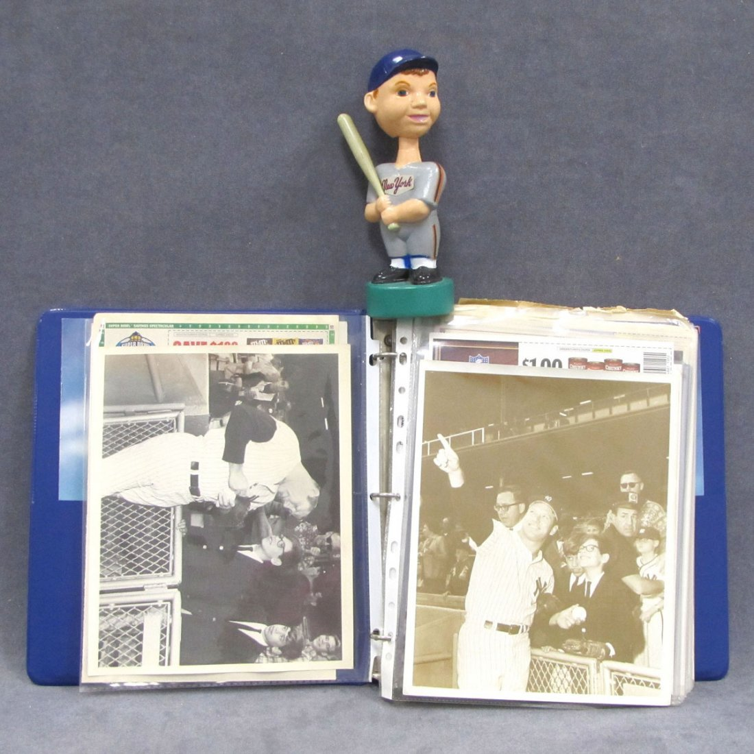 52: LOT ASSORTED SPORTS INCLUDING AUTOGRAPHED BASEBALL