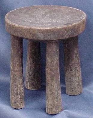 CARVED LUPE STOOL