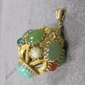 12: .750 YELLOW GOLD HARDSTONE MOUNTED CHARM